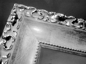 moldura blanco y plata Foto Figaredo Gijón
