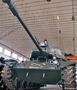 Tanque del la guerra del Vietnam. Foto Figaredo, Gijón
