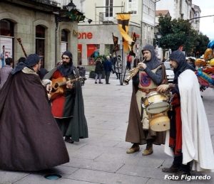 músicos en fiesta medieval de Monforte. Foto Figaredo, Gijón