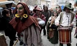 trovadores en fiesta medieval de Monforte