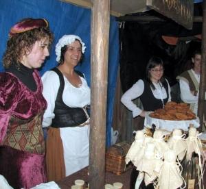 puesto de comida en fiesta medieval de Monforte