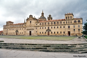 Vista del monasterio de Nuestra Sra. de La Antigua en Monforte de Lemos. Foto Figaredo, Gijón