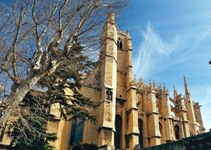 Vista parcial catedral de Narbona. Foto Figaredo, Gijón