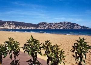 playa de Rosas. Foto Figaredo, Gijón