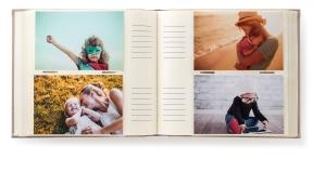 album con fotos y espacio para escribir. Foto Figaredo, Gijón
