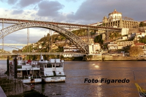 río Duero a su paso por Oporto. Foto Figaredo, Gijón
