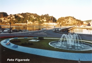 habitación con vistas al puente de Ribadesella. Foto Figaredo, Gijón