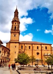 Iglesia de Nuestra Señora de la Asunción, en Briones. Foto Figaredo, Gijón