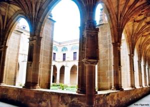 claustro del monasterio en San Millán de la Cogolla, La Rioja. Foto Figaredo, Gijón