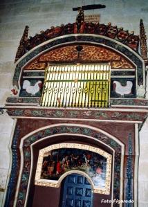 gallina en el interior de la catedral de Santo Domingo de la Calzada. Foto Figaredo, Gijón