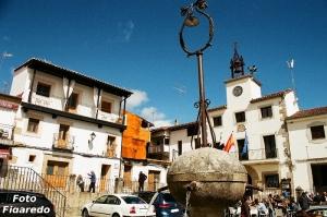 Plaza Mayor de Cuacos con fuente. Foto Figaredo, Gijón