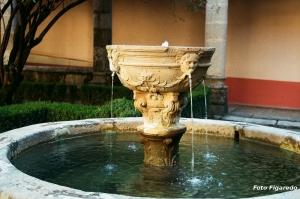 fuente del claustro nuevo en Monasterio de Yuste. Foto Figaredo, Gijón.