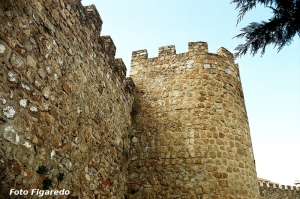 muralla y torre. Foto Figaredo, Gijón