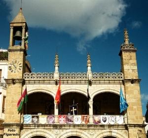 Ayuntamiento de Plasencia. Foto Figaredo, Gijón