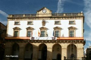 Ayuntamiento de Cáceres. Foto Figaredo, Gijón