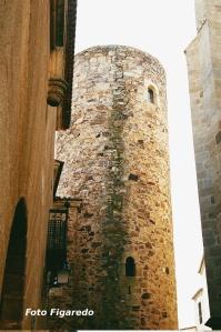 Torre almohade del Palacio de los Carvajal. Foto Figaredo, Gijón