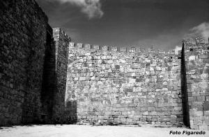 lienzo de muralla del castillo. Foto Figaredo, Gijón