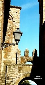 Puerta de Santiago. Foto Figaredo, Gijón