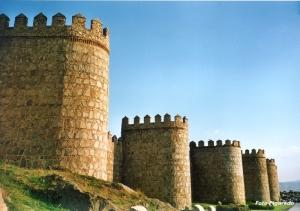 Murallas de Ávila al atardecer. Foto Figaredo, Gijón
