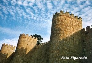 Torres de las murallas de Ávila. Foto Figaredo, Gijón