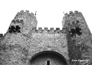 Entrada al Castillo de Sigüenza. Foto Figaredo, Gijón