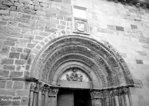 Iglesia de Santiago. Foto Figaredo, Gijón