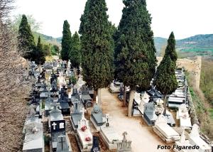 Cementerio dentro del Castillo. Foto Figaredo, Gijón