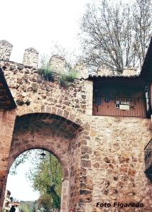 Interior puerta muralla medieval. Foto Figaredo, Gijón