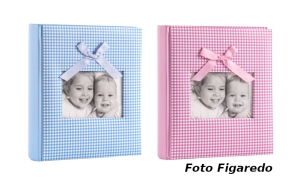 álbum fotos infantil con sitio para escribir y foto en portado. Foto Figaredo, Gijón