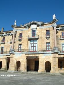 Palacio en zona noble de Universidad Laboral de Gijón