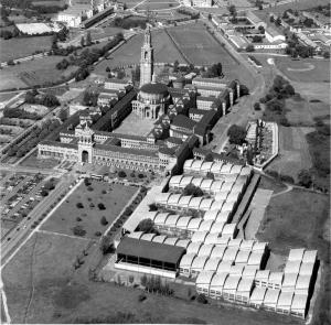 Vista panorámica de la Laboral en el siglo XX